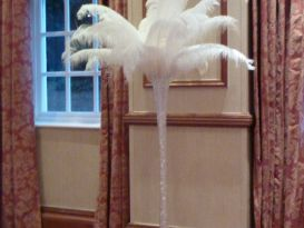 feathers cake table
